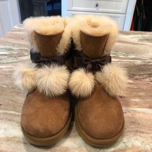 Ugg women's Gita Sheepskin Pom Pom boots